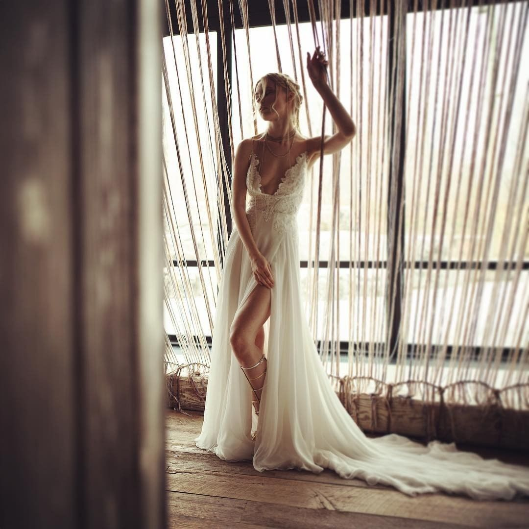 sexy bride! . . . #amores #boda #bodas #justmarried #union #happytime #happyness…